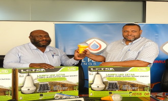 Kumul Petroleum Holdings donates solar lamps to Kadovar volcano victims