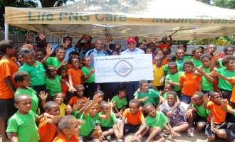 Kumul Petroleum presents K100, 000 to LPC  from the 2019 Charity Golf Challenge